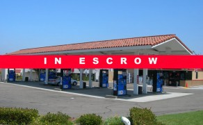 Mobil With Circle-K C-Store – San Diego County!